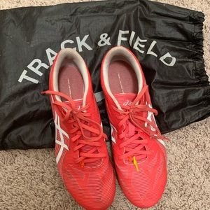Distance track and field spikes
